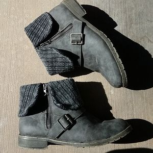Rocket Dog Womens Gray Ankle Boots